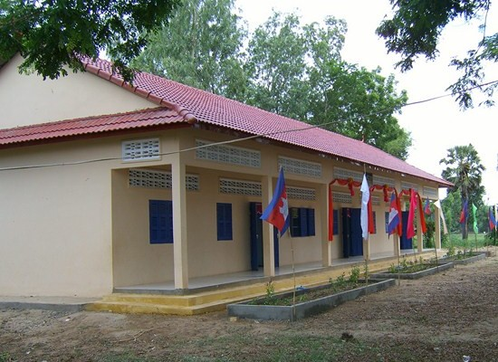 2010/11: Schulhaus in Kandal